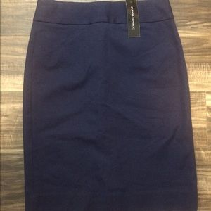 Banana Republic Size 2 Navy Pencil Skirt